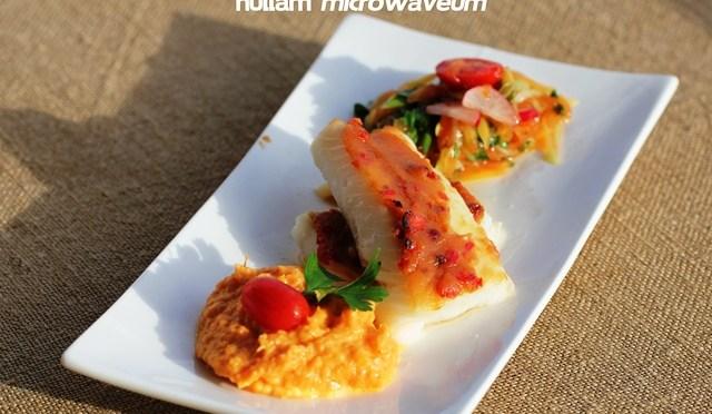 In miso gemarineerd kabeljauwhaasje met papaya salade en mousseline van zoete aardappelen