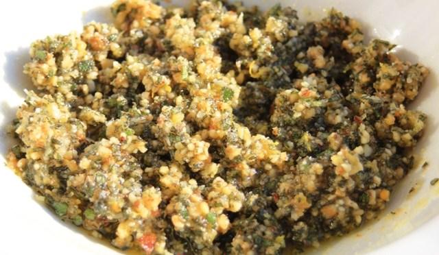 Pesto van salie en walnoten: een symfonie van herfstkleuren en smaken