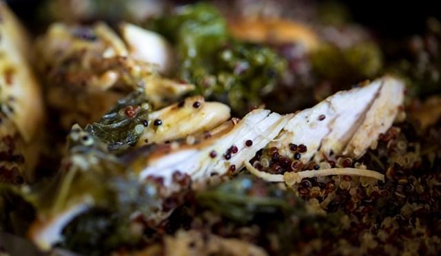 Gebakken kipfilet met boerenkool en quinoa