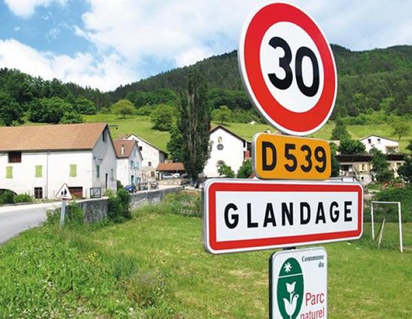 nom-ville-glandage