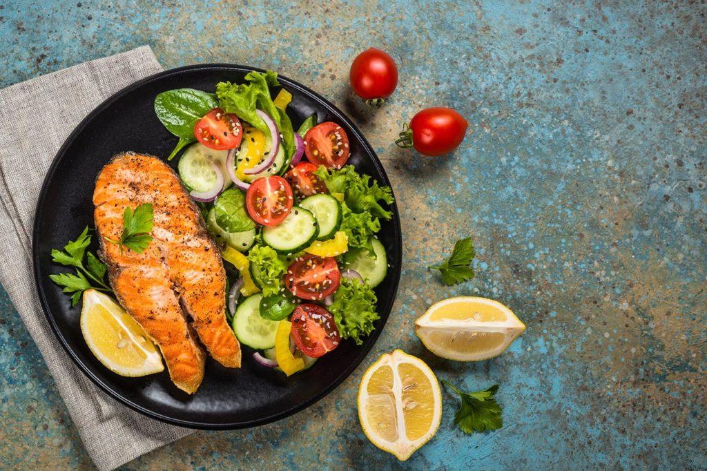 Pescado salteado. Comidas saludables, ligeras y con mucho sabor