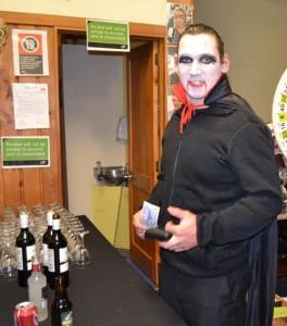 LR 0322 Dracula buying booze