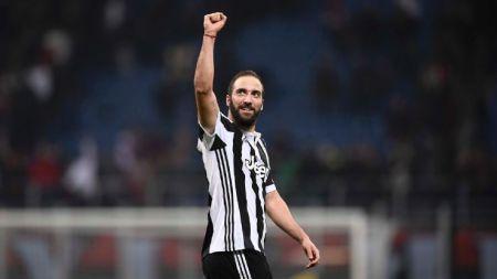 Higuain, mattatore della sfida tra Milan e Juventus