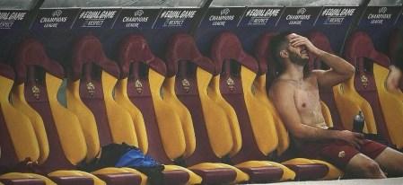 AS Roma - Barcelona | Manolas piange in panchina, dopo la storica impresa