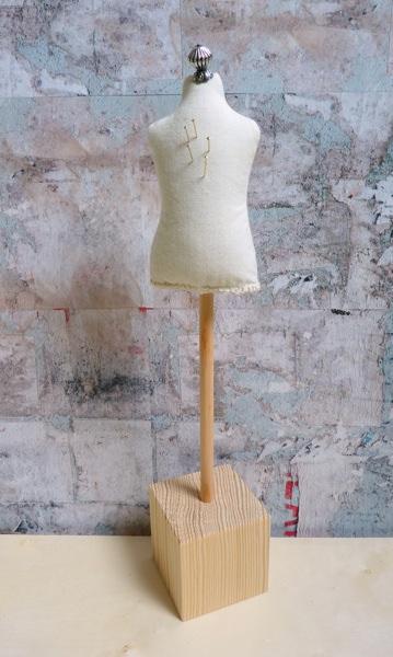 kit mannequin de couture taille poup e brune nun studio. Black Bedroom Furniture Sets. Home Design Ideas