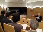芸術館メインホール…舞台の見える率、平均74.2%に改善されたとするが…