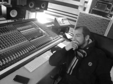 ingénieur son studio mixage table travail rap matériel