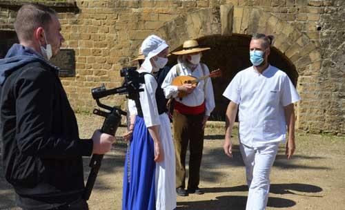 comment se positionner en tant que réalisateur devant le Nunsu infirmier?