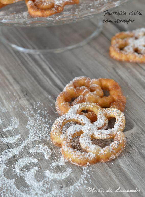 Frittelle dolci con stampo una ricetta perfetta per carnevale ma non solo da preparare con l'utensile Tescoma in metallo
