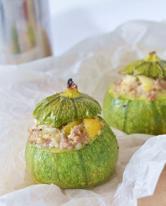 Zucchine tonde ripiene con miglio e pomodorini gialli