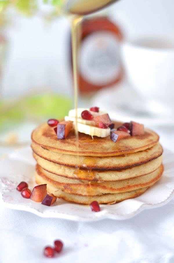 Pancakes di farina di riso senza burro con sciroppo di acero