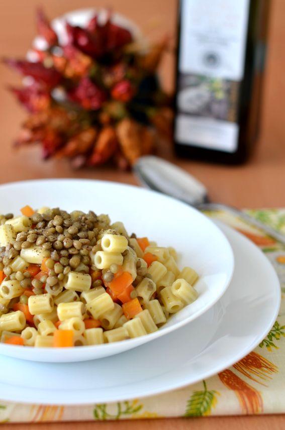 Pasta Ditali con lenticchie e cubetti di carote croccanti