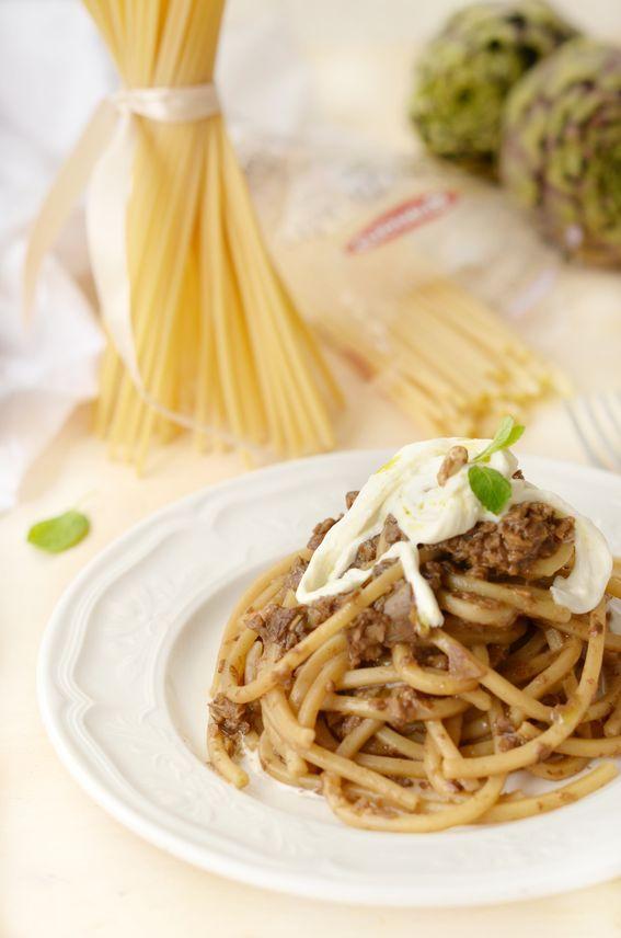 Spaghetti alla chitarra con pesto di carciofi e stracciatella