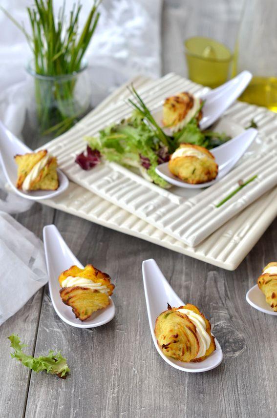 Baci di dama con patate aromatizzate e formaggio in crema