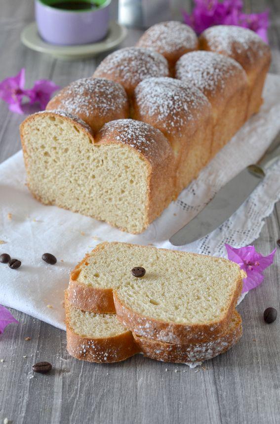 Pane brioche da colazione aromatizzato con caffe moka