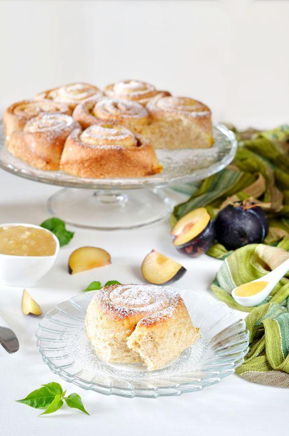 Torta di rose senza burro con marmellata di limoni e prugne