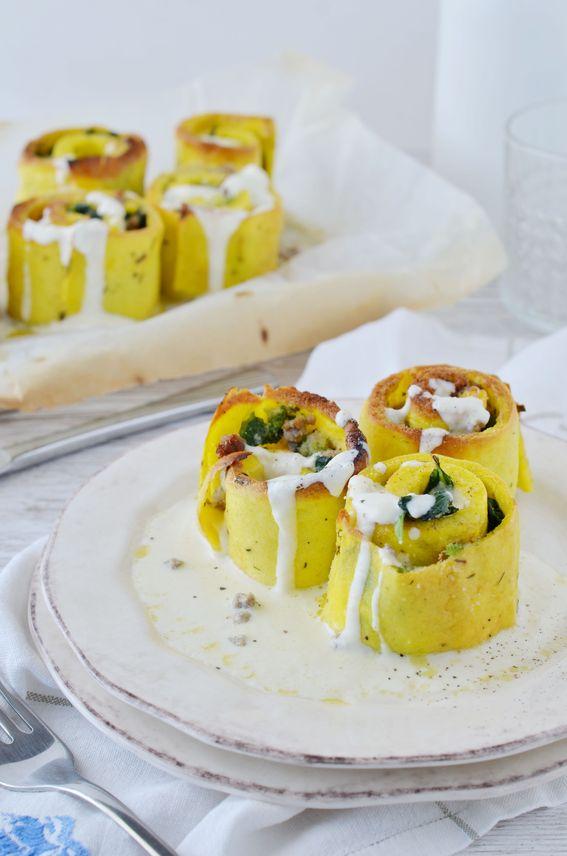 Mini roll di frittata con cime di rapa mozzarella e fonduta di parmigiano