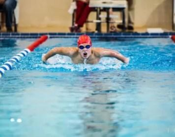 Quattro motivi per cui abbiamo nuotatori sempre più veloci (nonostante la sparizione dei costumoni in neoprene)