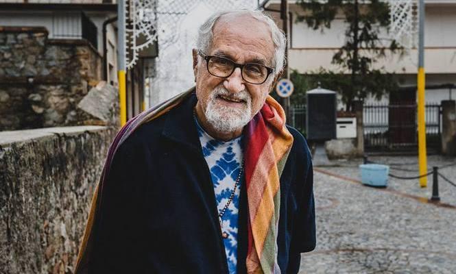 """Alex Zanotelli: """"La nonviolenza parte dall'informazione"""""""