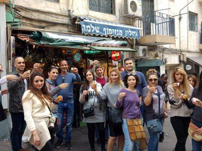 סיור קולינרי בשוק מחנה יהודה - עם נורה - נורית הרץ - מורת דרך ושפית טבעונית