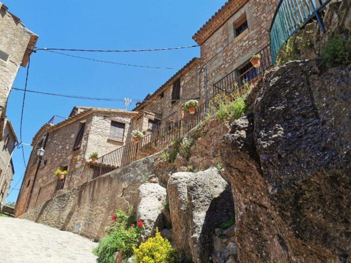 pueblo mura barcelona