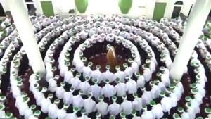 Hadra - zikr- white circle around the Shaykh