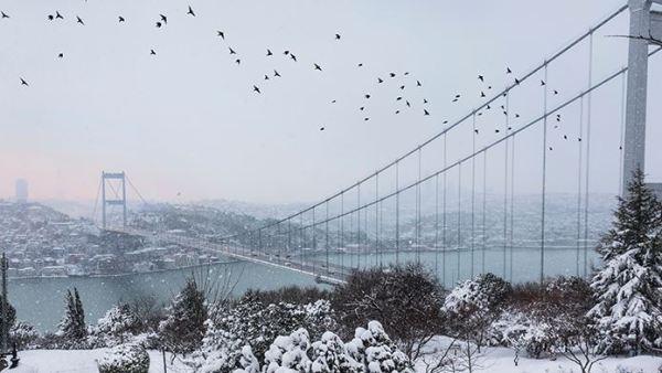 İstanbul beyaz gelinliğini giydi