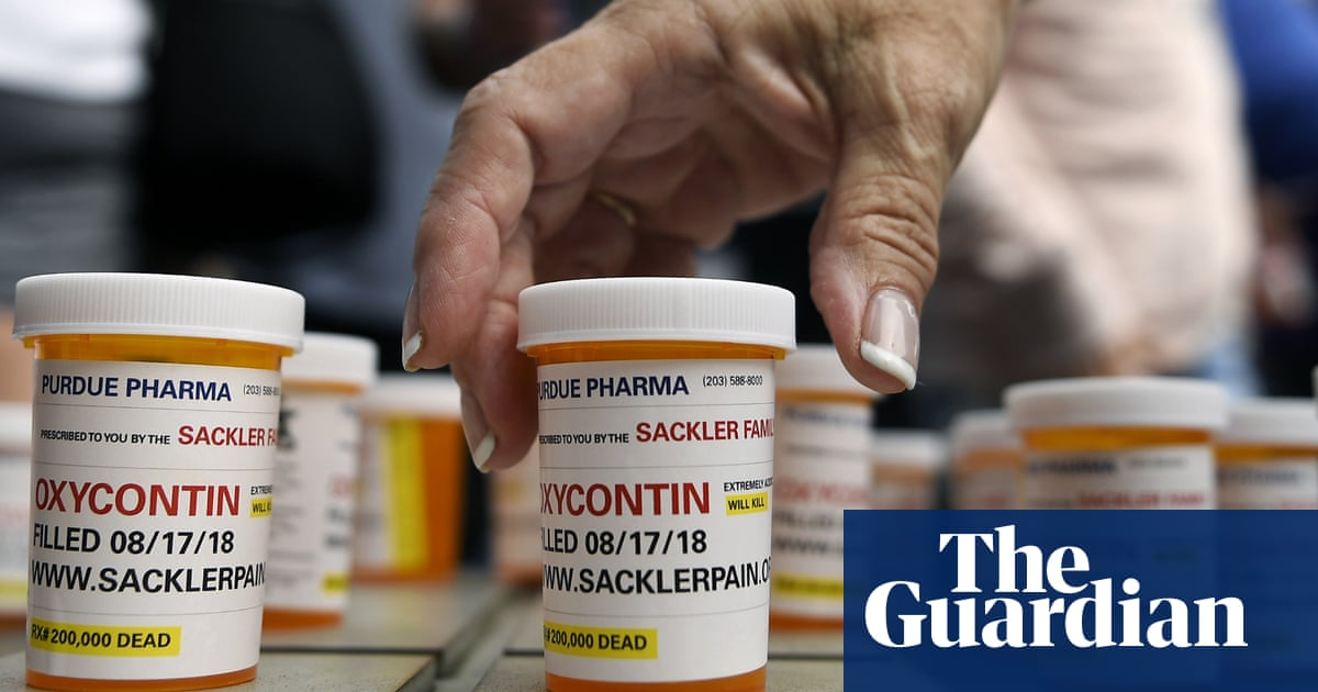 US medical group that pushed doctors to prescribe painkillers forced to close