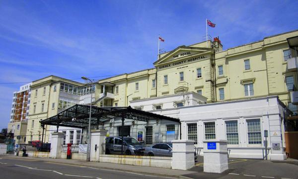 Brighton and Sussex University Hospital UK hiring staff nurses, basic annual salary at P1.5 million