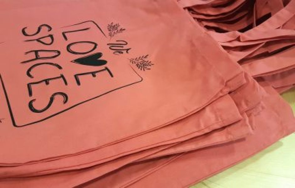 we love spaces bosses tote bag 2