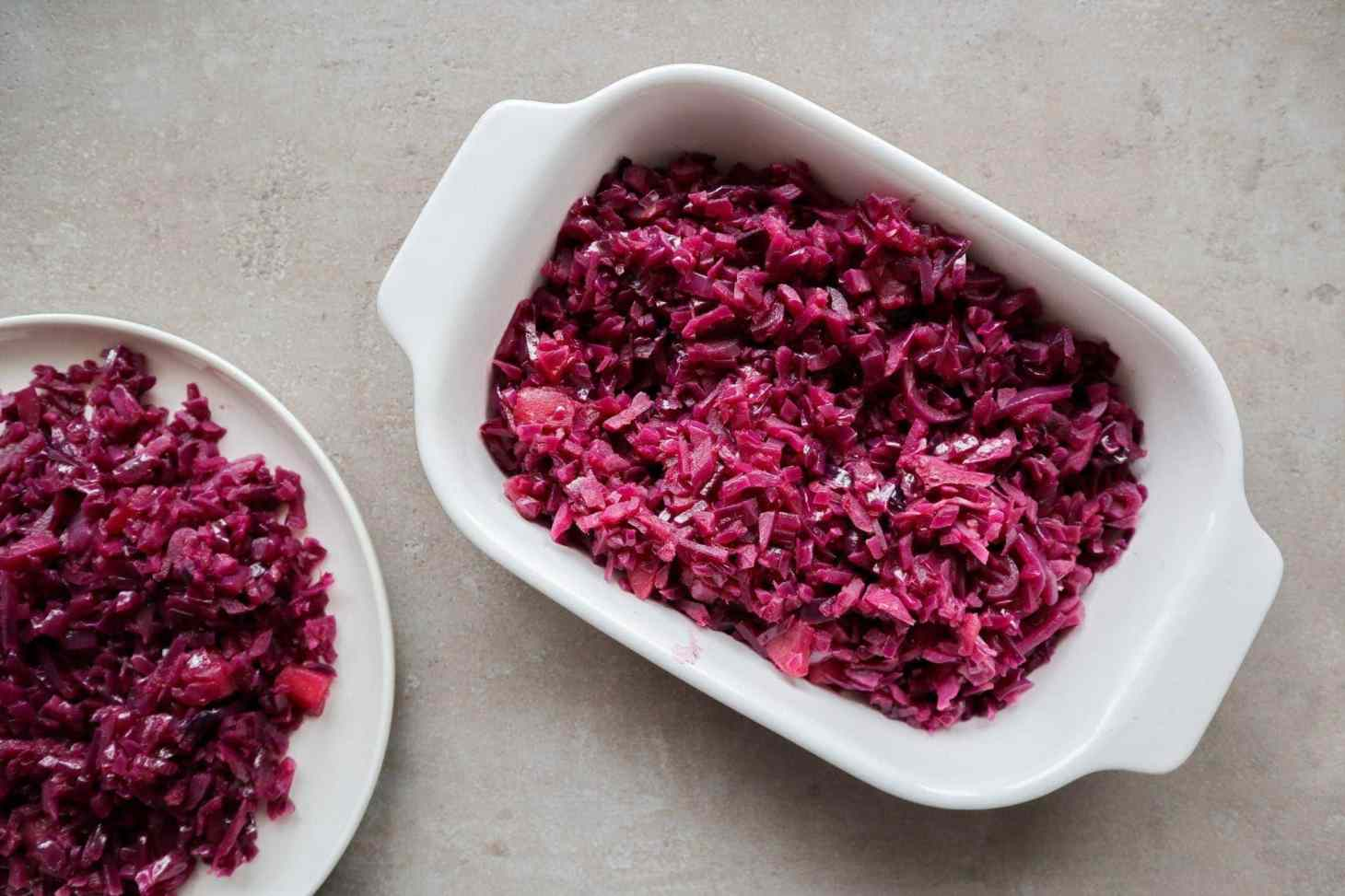 Breaised cabbage in a bowl with a plate ready to be served