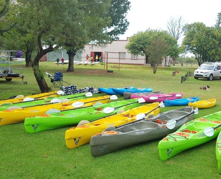 Chris (gently) Reviews The Paddling Race With Vagabond Kayaks