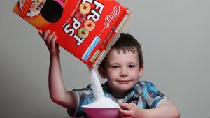 656036-zak-hemmerling-tips-sugar-out-of-fruit-loops-cereal-box