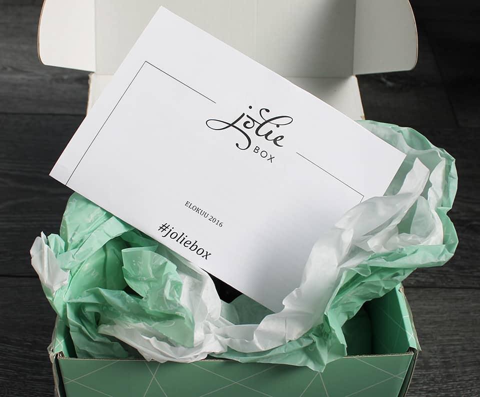 Elokuun-Jolie-Box-01
