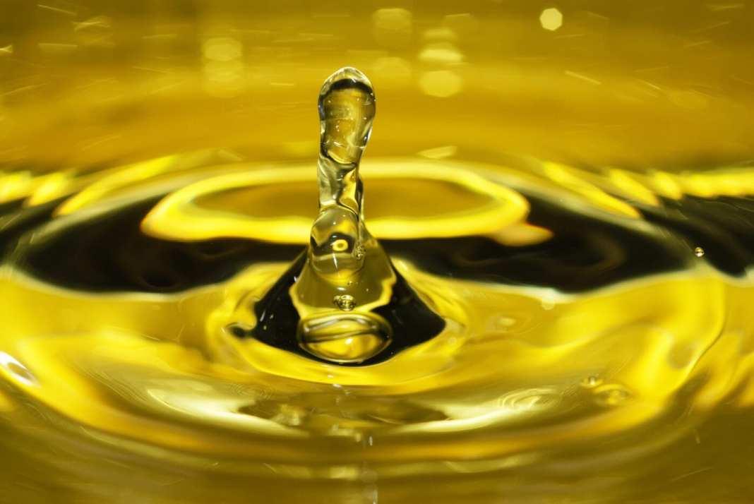 Detersione oleosa