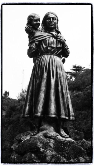bir rivayete göre kilisenin inşa edildiği yerde Meryem Anayı gören Maria Mueces ve sağır-dilsiz kızı Rosa