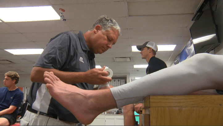 henderson athletic trainer_1479399603386.png