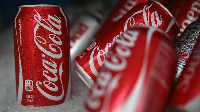 Coca-Cola Coke cans on ice_1508946789956_311024_ver1.0_640_360_1528897772583.jpg.jpg