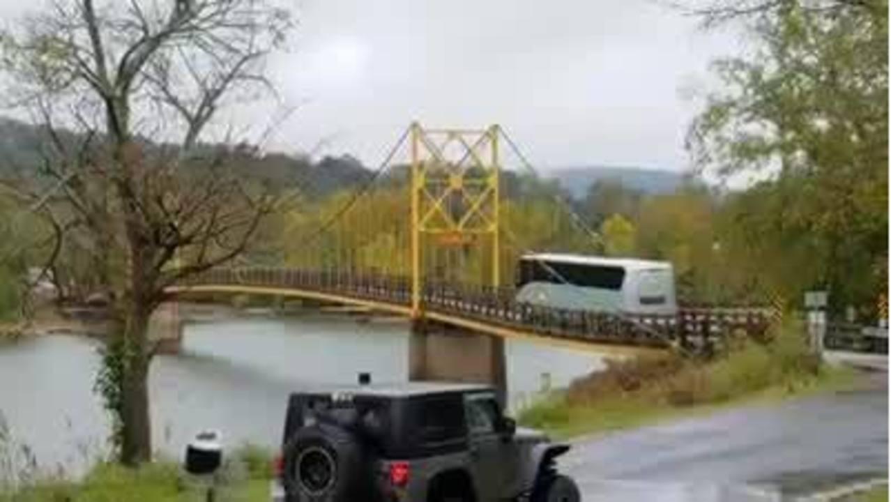 Bus_Over_Bridge_Beaver__Arkansas_0_59032306_ver1.0_1280_720_1539890070371.jpg