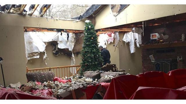 Fire Christmas Tree_1545339939505.jpg.jpg