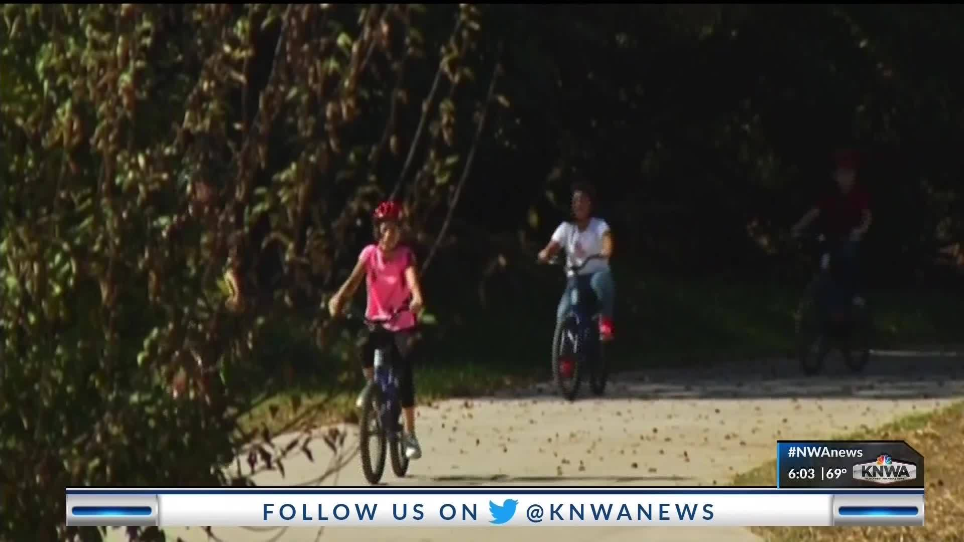 Drivers_on_Rogers_Bike_Trail__KNWA__8_20190418000458