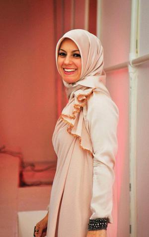 https://i1.wp.com/www.nwasianweekly.com/wp-content/uploads/2012/31_28/nation_hijab2.jpg?resize=300%2C479