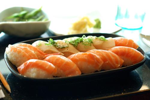 https://i1.wp.com/www.nwasianweekly.com/wp-content/uploads/2013/32_03/health_sushi.jpg?resize=500%2C333