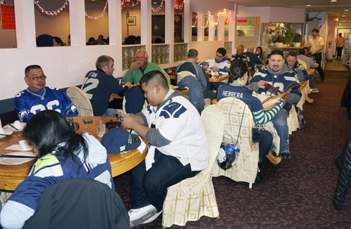 https://i1.wp.com/www.nwasianweekly.com/wp-content/uploads/2014/33_05/editorial_seahawks.jpg?resize=500%2C326