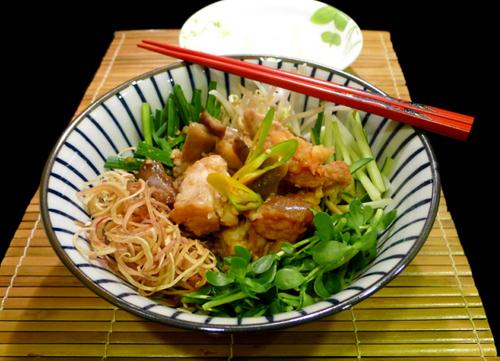 https://i1.wp.com/www.nwasianweekly.com/wp-content/uploads/2015/34_20/food_gumbo.jpg?resize=500%2C361