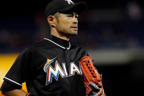 https://i1.wp.com/www.nwasianweekly.com/wp-content/uploads/2015/34_47/sports_ichiro.jpg?resize=500%2C333