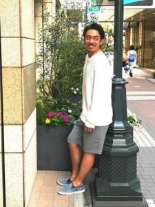 メンズの夏コーデのショートパンツ|サファリ風