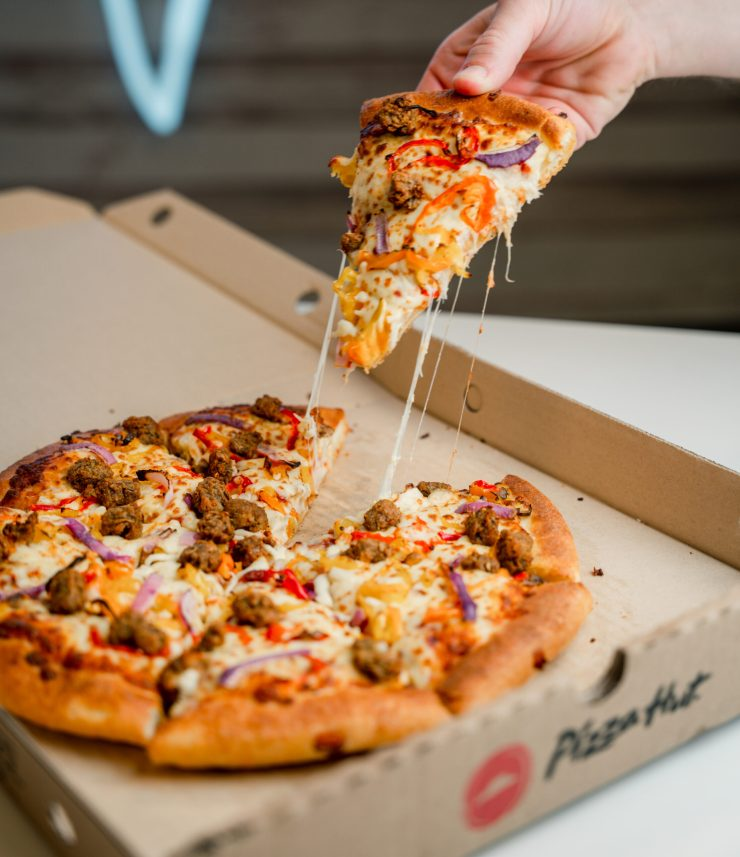 VegNews.PizzaHutCanadaBeyond2