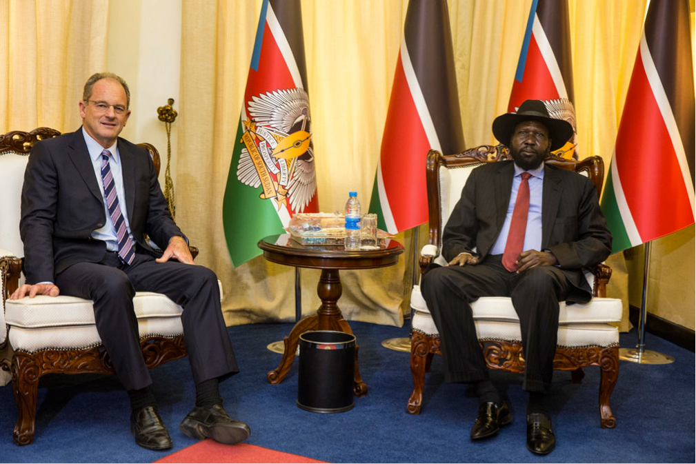 Special Representative and head of the UN Mission in South Sudan, David Shearer (left) meets with Mr. Salva Kiir in the capital Juba. Photo: UNMISS/Isaac Billy