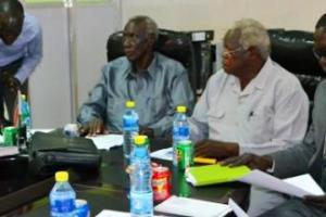 Members of the Jieng Council of elders,a controversial group that advises Salva Kiir, meeting elders from Jubek State(Photo: file)
